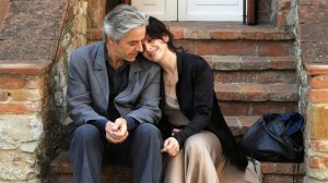 "Juliette Binoche si William Shimell in pelicula ""Duplicatul"""