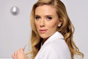 Sexy Scarlett in Superbowl commercial ban