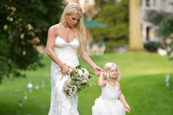 Wie die Mama so die Tochter! Jessica Simpson und ihre Tochter Maxwell bei der Hochzeit von Jessica's Schwester Ashley // Like mother like daughter! Jessica Simpson and her daughter Maxwell at the wedding of Jessica's sister Ashley