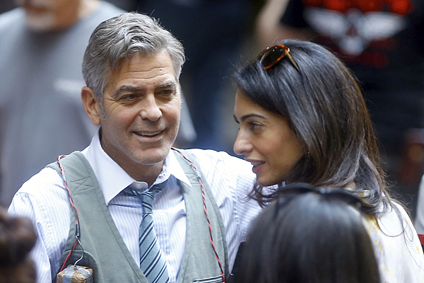 "George Clooney, Amal Clooney et Julia Roberts sur le tournage du film "" Money Monster "" de Jodie Foster a New York"