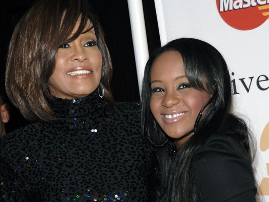 Whitney Houston si Bobby Kristina Brown