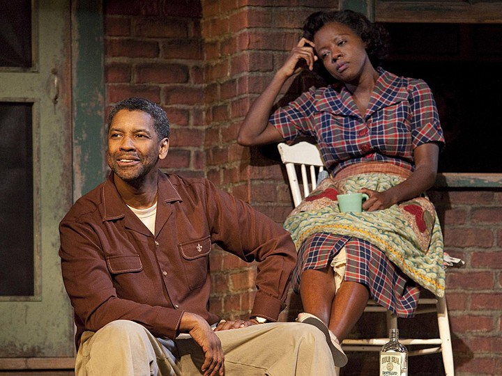 "Denzel Washington (Troy Maxson) si Viola Davis (Rose), în piesa ""Fences"" (Broadway)"